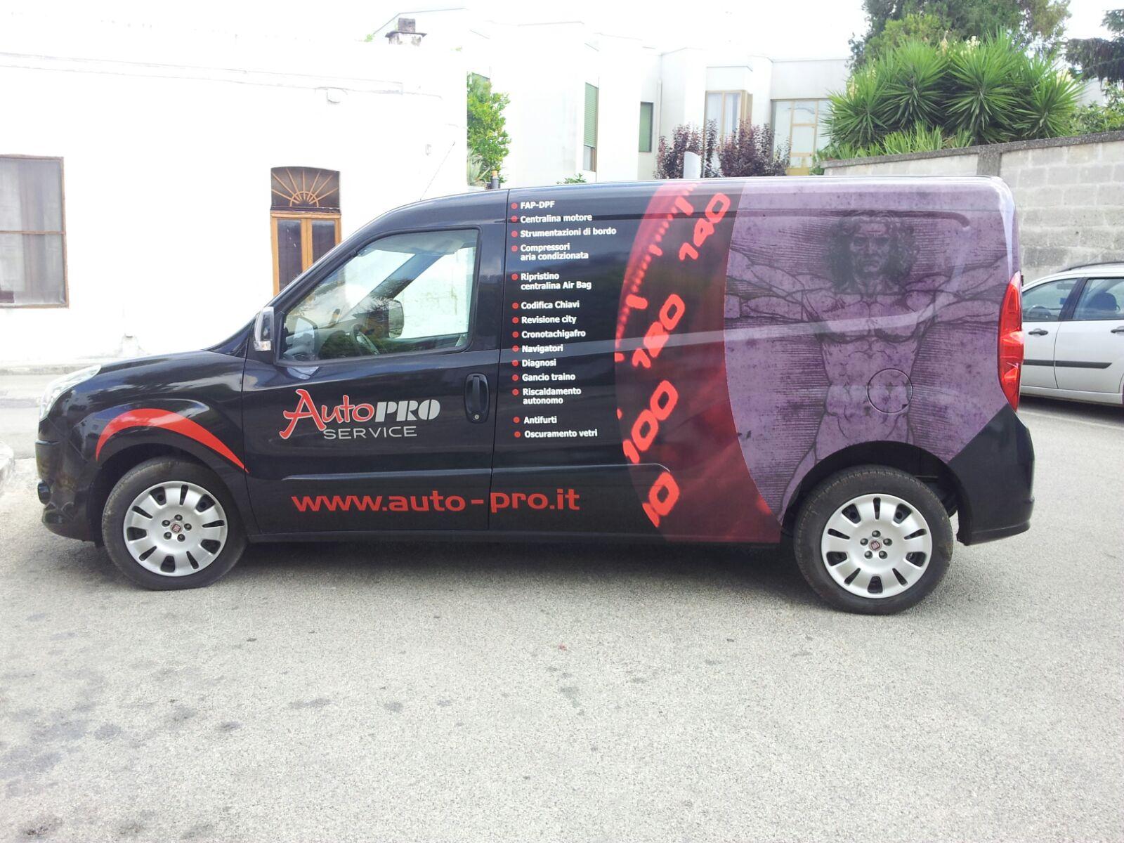 Emmegrafica Minivan Allestimento laterale sx